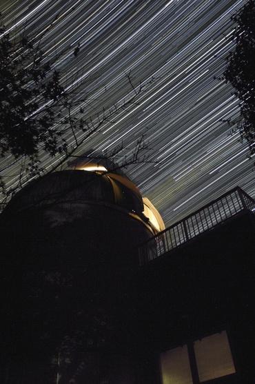 ドームの上に昇る冬の星々 その2