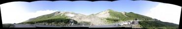 「肩の小屋口」バス停からの風景