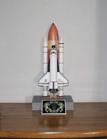 STS-107ミッションのクルーに捧げる