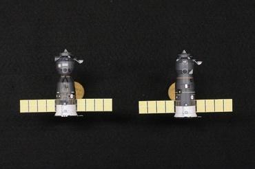 1/100スケールペーパークラフトによる ソユーズ(TMA-5) と プログレス(M1-3)