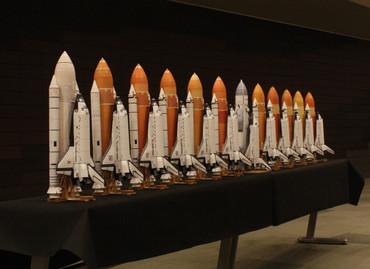 1/100スケールペーパークラフトによる スペースシャトルたち