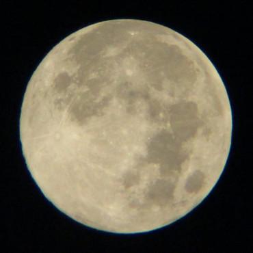 「コルキットスピカ」で撮影した満月 2012年8月31日