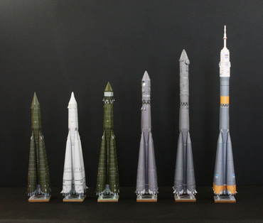 1/100スケールペーパークラフトによる R-7系列のロケットたち