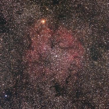 ケフェウス座の 散開星団 & 輝線星雲 IC1396