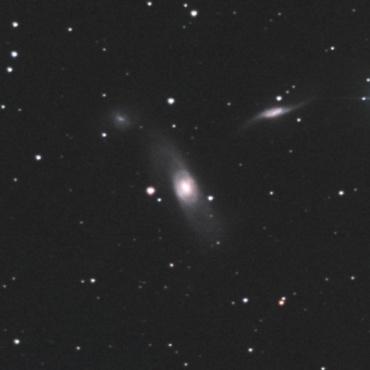 おとめ座の系外銀河NGC5566ほか