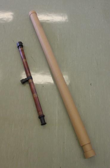 ガリレオ望遠鏡第1号(右)と第2号(左)のレプリカ
