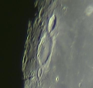 ヘヴェリウス・クレーター付近 2009年8月4日撮影