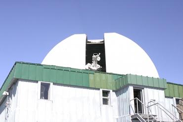 乗鞍コロナ観測所 25cmコロナグラフとそのドーム