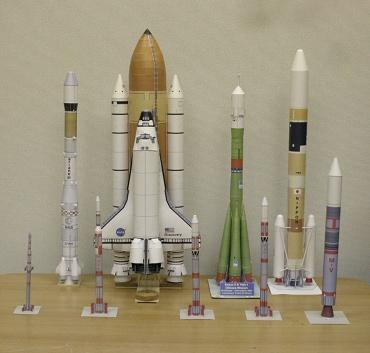 1/100スケールペーパークラフトによるロケットたち 2009年11月27日