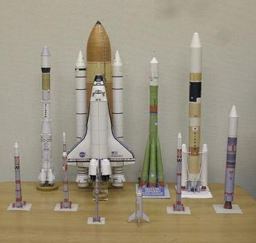 1/100スケールペーパークラフトによるロケットたち 2009年11月30日