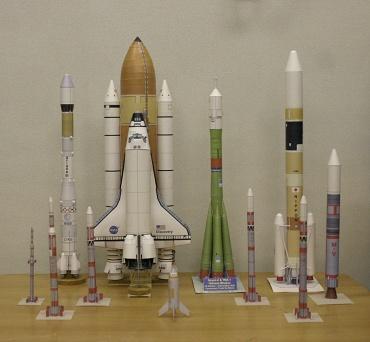 1/100スケールペーパークラフトによるロケットたち 2009年12月2日