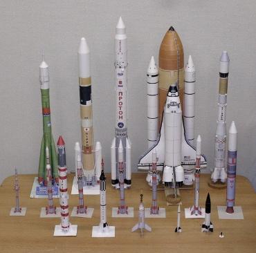 1/100スケールペーパークラフトによるロケットたち 2009年12月25日