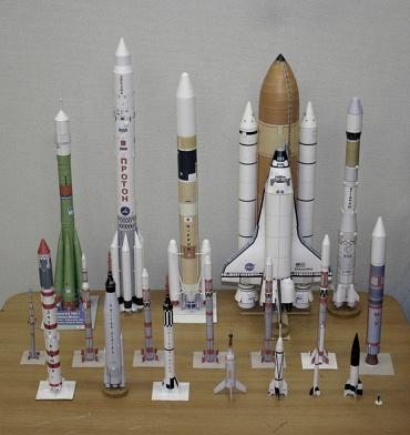1/100スケールペーパークラフトによるロケットたち 2010年1月4日