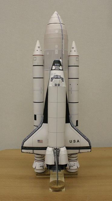 1/100スケールペーパークラフトによる「コロンビア」(STS-1)