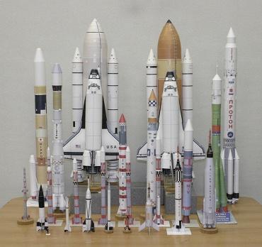 1/100スケールペーパークラフトによるロケットたち 2010年2月3日