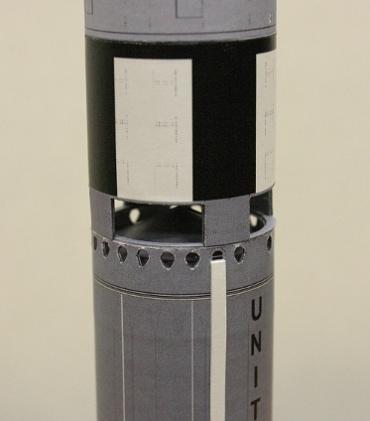 1/100スケールペーパークラフトによる タイタンⅡロケットの第1段上部