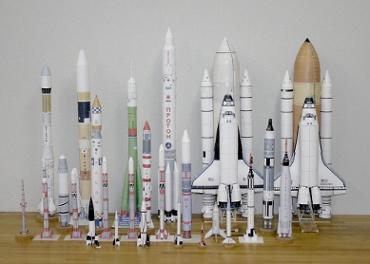 1/100スケールペーパークラフトによるロケットたち 2010年2月11日