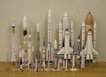 1/100スケールペーパークラフトによるロケットたち 2010年2月13日