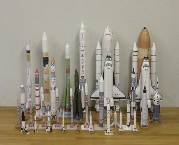 1/100スケールペーパークラフトによるロケットたち 2010年3月6日