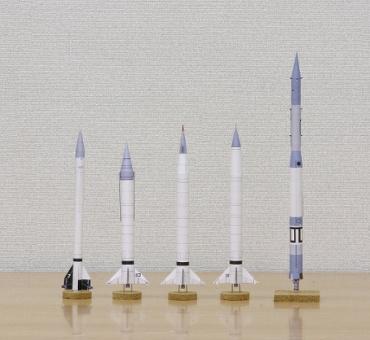 1/100スケールペーパークラフトによるヴァンガードロケット開発計画のロケットたち 2010年3月25日