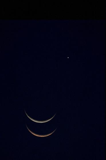 金星に接近中の月の動き 2010年5月16日