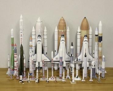 1/100スケールペーパークラフトによるロケットたち 2010年3月25日