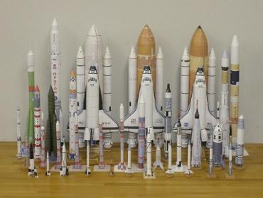 1/100スケールペーパークラフトによるロケットたち 2010年3月27日