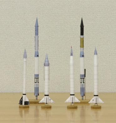 1/100スケールペーパークラフトによる ヴァンガードロケット計画のロケットたち 2010年3月27日