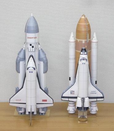1/100スケールペーパークラフトによる スペースシャトル(STS-6 チャレンジャー) と エネルギア-ブラン