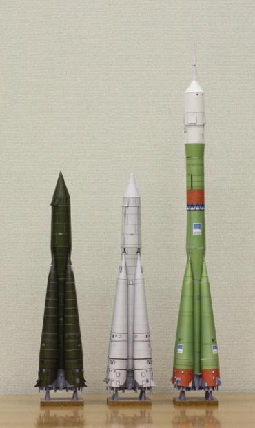 1/100スケールペーパークラフトによる R-7ロケットシリーズ 2010年5月23日