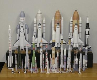 1/100スケールペーパークラフトによるロケットたち 2010年5月29日
