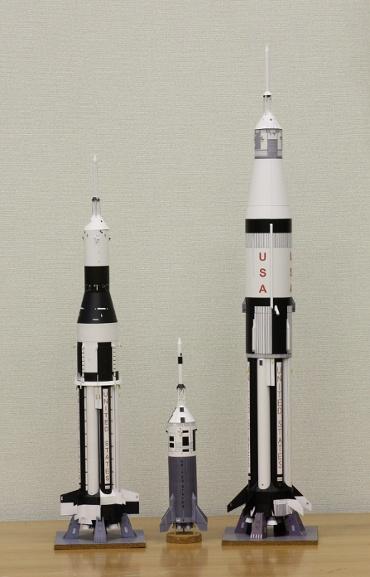1/100スケールペーパークラフトによる アポロ計画のロケットたち