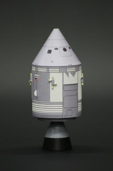 1/100スケールペーパークラフトによる アポロ7号