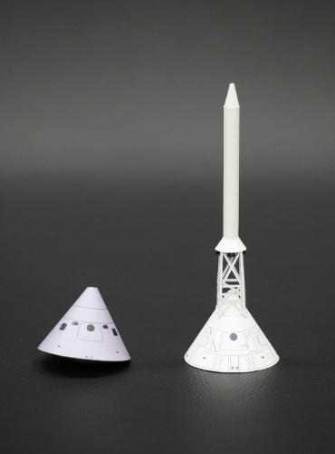 1/100スケールペーパークラフトによる アポロ7号の指令船,熱シールドとLES