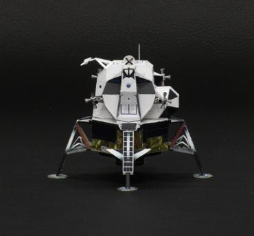 1/100スケールペーパークラフトによる アポロ月着陸船