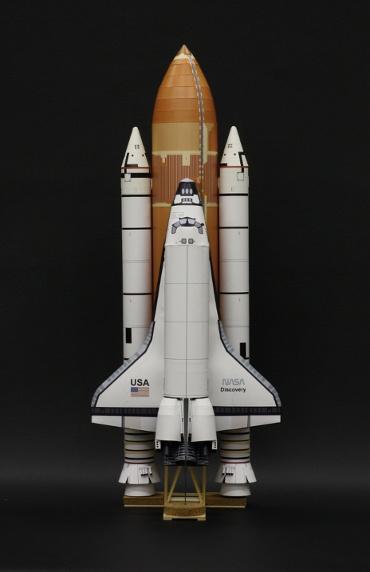 1/100スケールペーパークラフトによる スペースシャトル ディスカバリー(STS-41D)