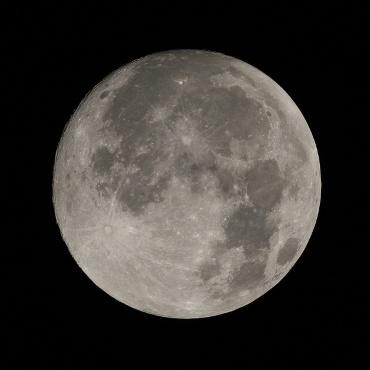 皆既月食前日の月 2010年12月20日