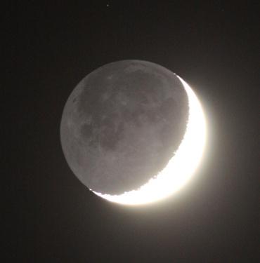 齢4.3の月と地球照 2011年2月7日