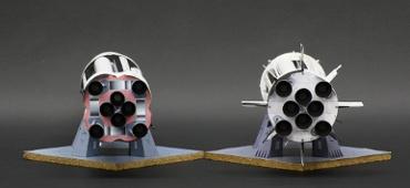 1/100スケールペーパークラフトによる サターン Ⅰ SA-1 と SA-6(底部)