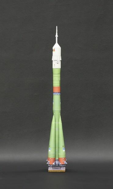 1/100スケールペーパークラフトによる ソユーズロケット