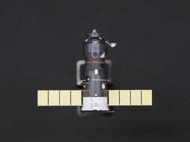 1/100スケールペーパークラフトによる プログレス補給船(M1-3)