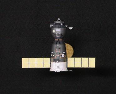 1/100スケールペーパークラフトによる ソユーズ(TM-31)