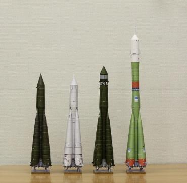 """1/100スケールペーパークラフトによる """"R-7系列""""のロケットたち"""