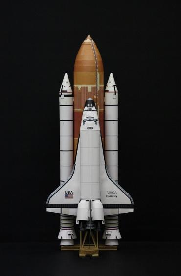 """1/100スケールペーパークラフトによる スペースシャトル ディスカバリー(STS-26 """"Return to Flight"""")"""