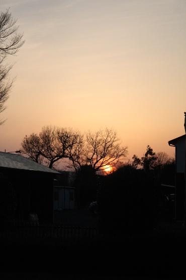 春分の日の夕日 2012年3月20日