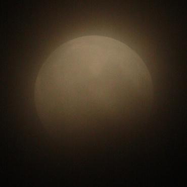 Moon120604_04