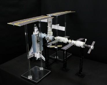 1/100スケールペーパークラフトによる 国際宇宙ステーション(2001年3月12日の状態・その2)