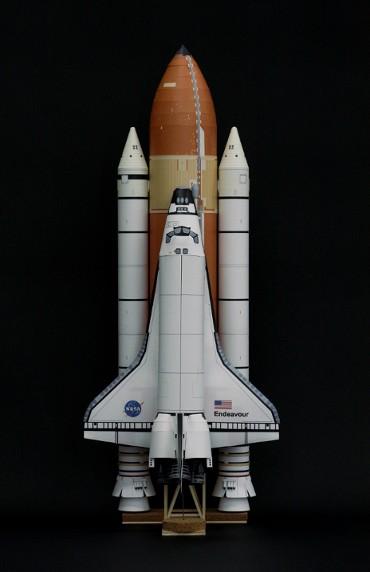 1/100スケールペーパークラフトによる スペースシャトル「エンデバー」(STS-134)