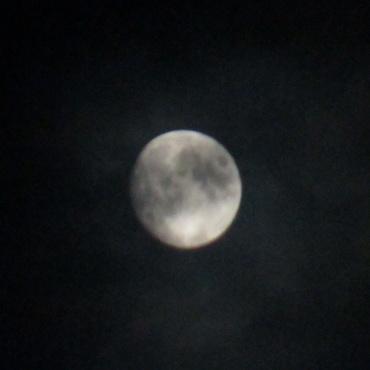 双眼鏡で撮影した月 2012年9月28日