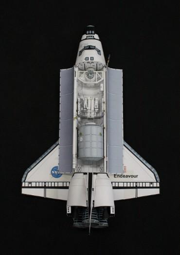 1/100スケールペーパークラフトによる スペースシャトル「エンデバー」(STS-100)